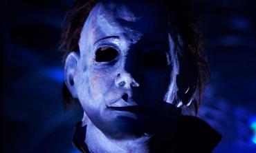 Un 31 Ottobre rosso sangue: viaggio nella saga di Halloween
