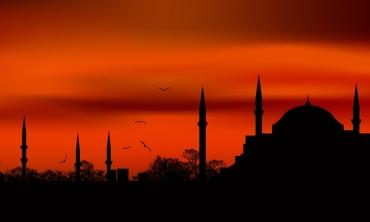 Rosso Istanbul: un toccante tuffo nel passato per affrontare il presente con felicità
