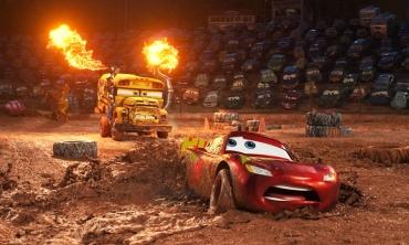 Cars 3: anche le macchine da corsa nel loro piccolo invecchiano