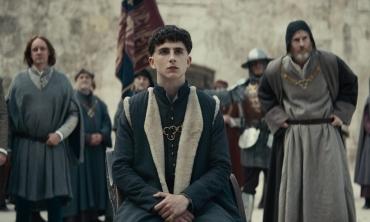 The King: l'Enrico V di Chalamet è tra le migliori proposte di Venezia 76