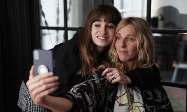 Selfie di famiglia - La commedia, alla francese.