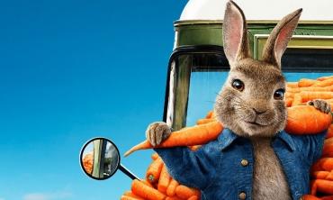 Peter Rabbit torna al cinema con una nuova avventura. Ecco il primo trailer...
